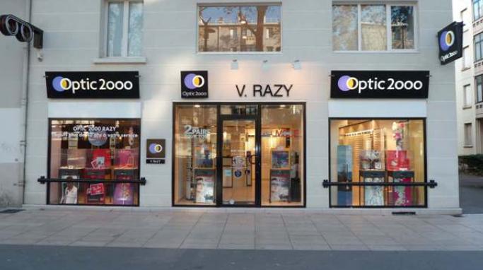 opticien optic 2000 lyon lunettes 73 boulevard des etats unis 69008. Black Bedroom Furniture Sets. Home Design Ideas
