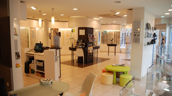 opticien optic 2000 saint brieuc 22000 lunettes femme lunettes homme optic 2000. Black Bedroom Furniture Sets. Home Design Ideas