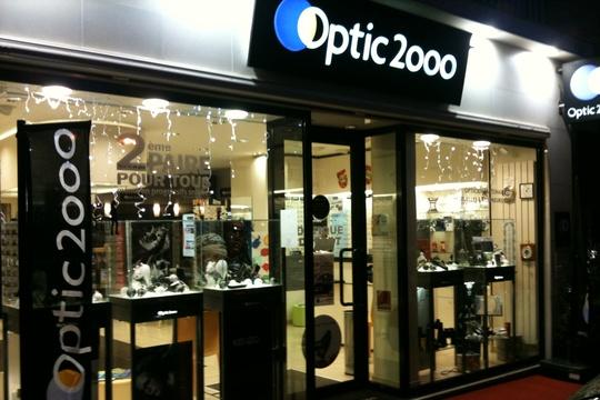 opticien valognes 50700 lunettes femme lunettes homme optic 2000. Black Bedroom Furniture Sets. Home Design Ideas