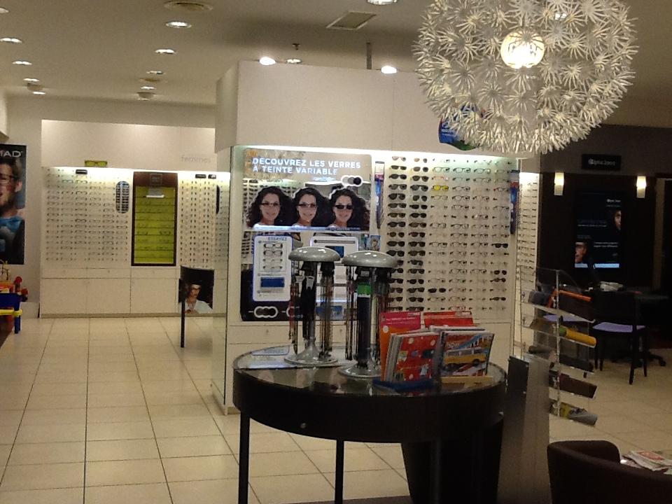 lunettes de soleil poitiers lunettes de marque lentilles optic 2000. Black Bedroom Furniture Sets. Home Design Ideas